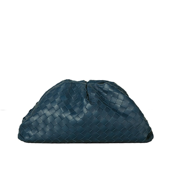 유럽직배송 보테가 베네타 파우치 BOTTEGA VENETA THE POUCH IN MAXI INTRECCIO 576175VO0BL3126